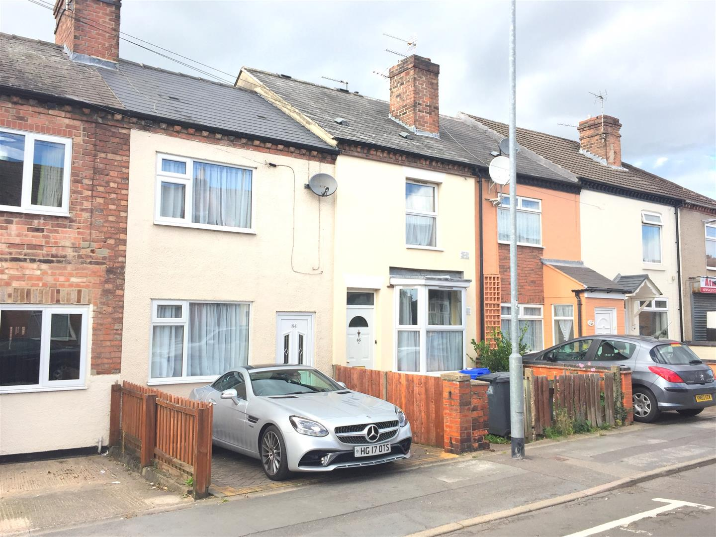 2 Bedrooms Terraced House for sale in Hill Street, Burton-On-Trent